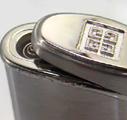 Коллекция Зажигалки Givenchy турбо 13 наименований стоимостью от 6608 до 13244 руб. Турбо зажигалки Живанши – это дорогой металл, мощный полированный корпус, традиционная орнаментальная виньетка. Подобные модели призваны выразить благородное совершенство романского стиля. Модели турбо зажигалок Givenchy с классически строгим корпусом демонстрируют открытые энергичные цвета, огонь и золото, редкий коричневый мрамор. Все модели коллекции – это благородная роскошь классики и всегда изысканный подарок