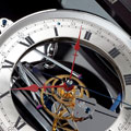 Коллекция Механические настенные часы 8 наименований стоимостью от 900000 до 2556000 руб. Настенные часы — вещь обязательная в традиционном интерьере. Их присутствие в доме создает ощущение спокойствия, надежности и незыблемости домашнего уклада. Такие часы становятся семейными реликвиями и передаются от поколения к поколению.
