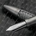 Коллекция Ручки и карандаши Porsche Design 33 наименования стоимостью от 3080 до 55000 руб.